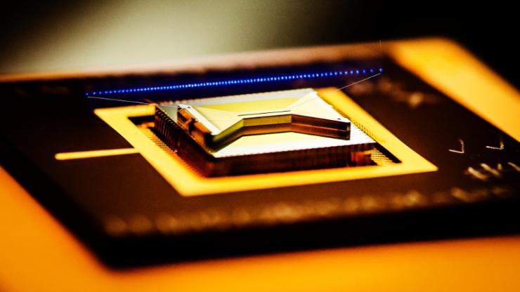 A closeup view of a surface ion trap used in the quantum computing technology