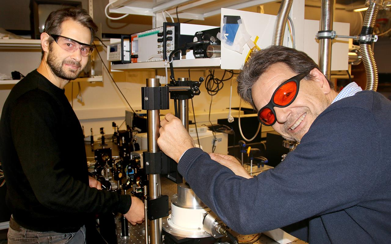 Professor Helge Weman and postdoc Lyubomir Ahtapodov show off their high-tech equipment