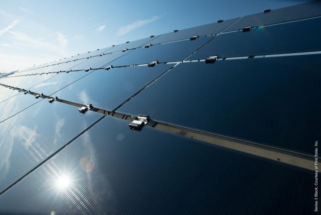 First Solar Showcases Series 3 Blacktm Thin Film Module At