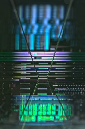 Microscopic picture of a fabricated silicon chip