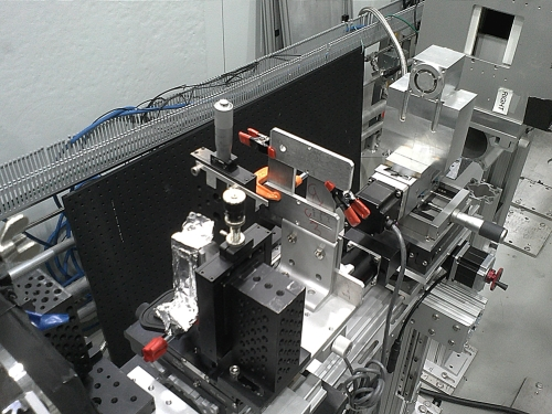 The team's small prototype neutron microscope