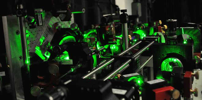 Part of the optical system used to trap and manipulate atoms. (Photo: Jean-Philippe Brantut / ETH Zurich)