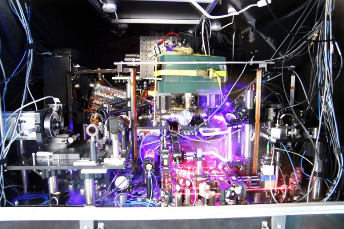 JILA's experimental atomic clock