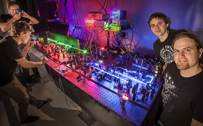 Quantum paparazzi film photons in the act of pairing up