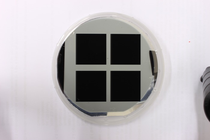 Solar cell with a black silicon surface treatment