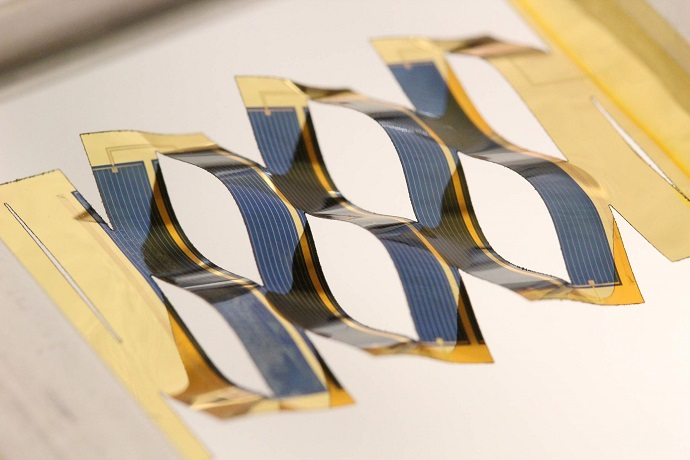 researchers at the University of Michigan have developed solar cells that can track the sun
