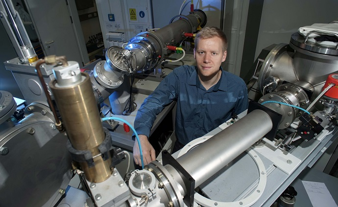 The physicist Jura Rensberg is part of the international researcher team