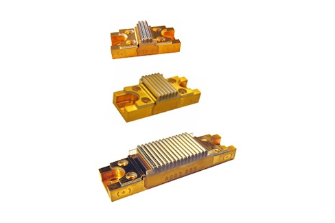 High peak power 640 nm diode stack