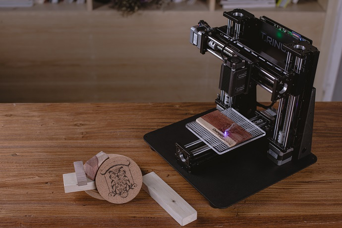 Trinus can be converted from a 3D printer to a laser engraver in 60 seconds