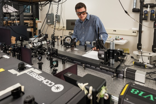 A research team led by Joe Feser in the Department of Mechanical Engineering at the University of Delaware has developed a new approach to simulating nanoscale heat transfer in materials