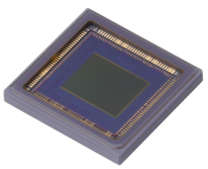 The new Canon-developed CMOS sensor