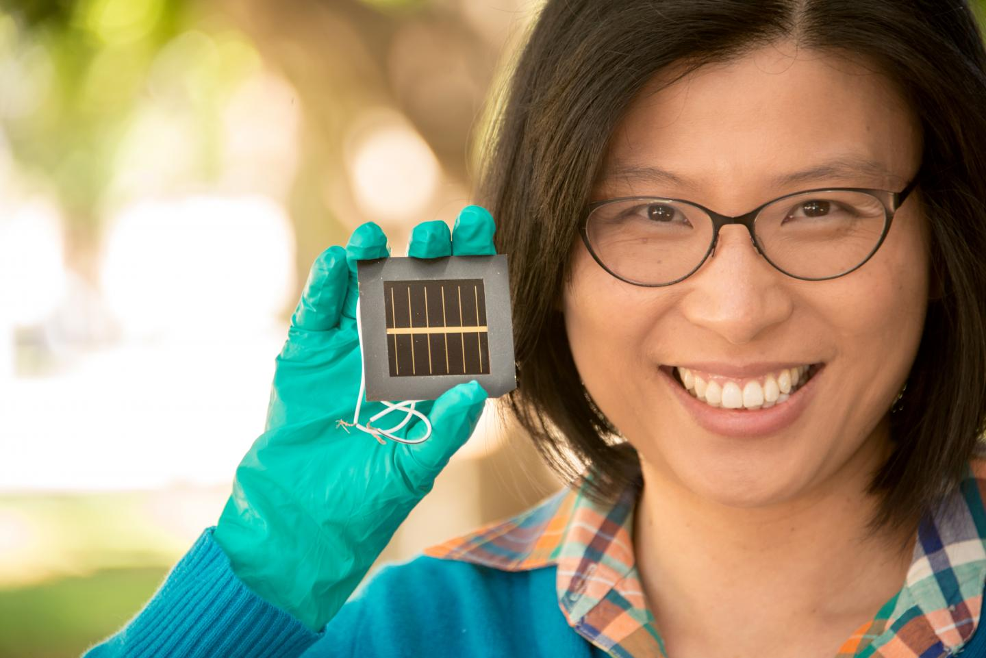 Dr Anita Ho-Baillie with perovskite cell.