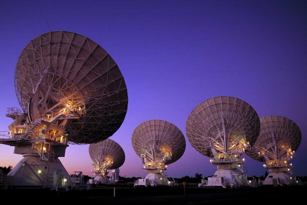 FIBRE-OPTICAL TELECOMMUNICATIONS HELPING SCIENTISTS PEER INTO DEEP SPACE