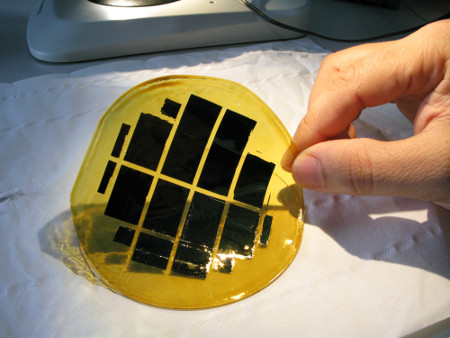 A new method of creating bendable silicon chips could help pave the way for a new generation of high-performance flexible electronic devices