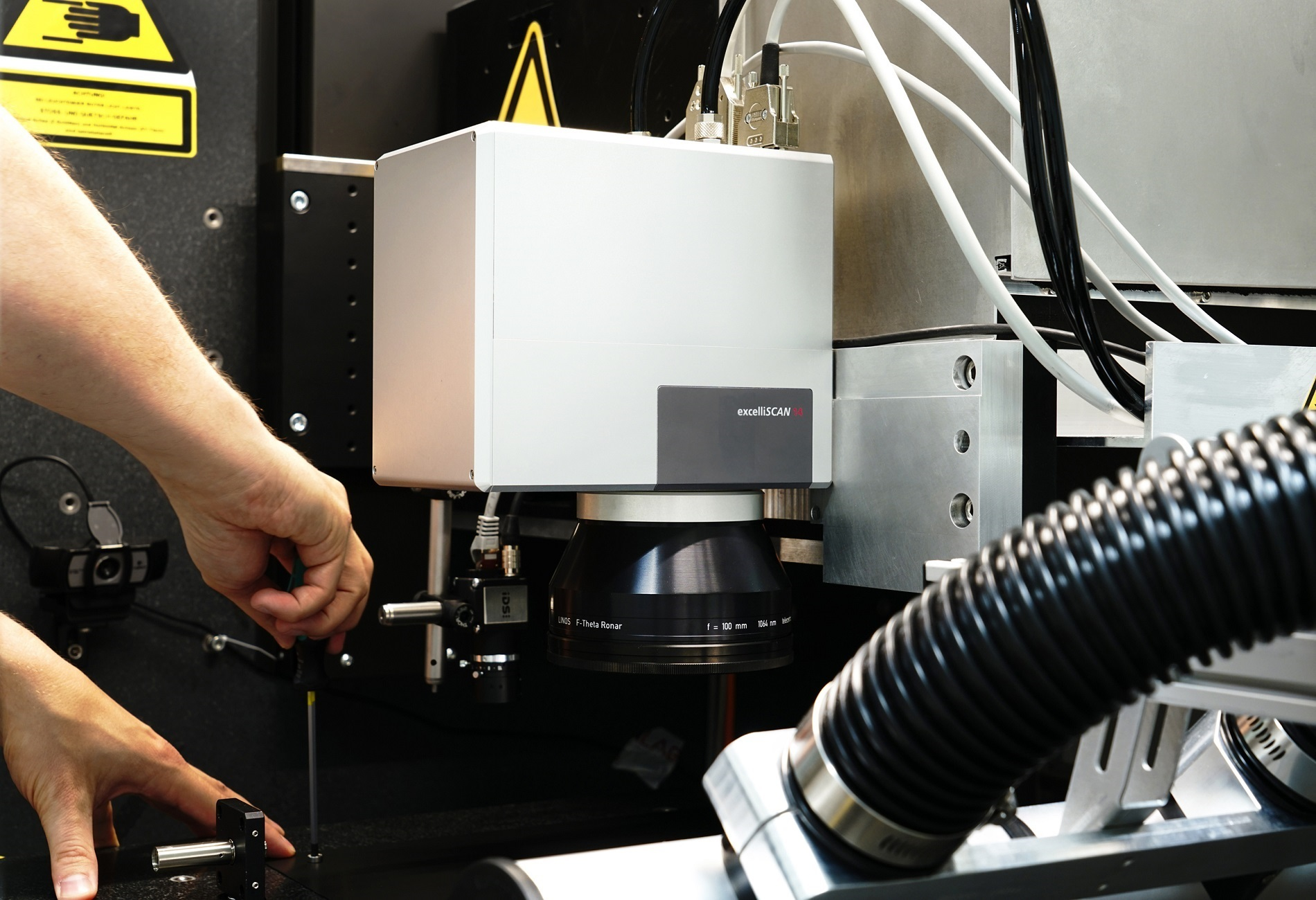 The excelliSCAN scan head is perfectly suited for laser micro-machining and additive manufacturing